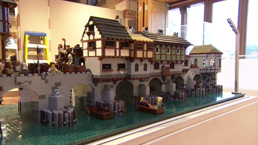 World landmarks recreated with Lego