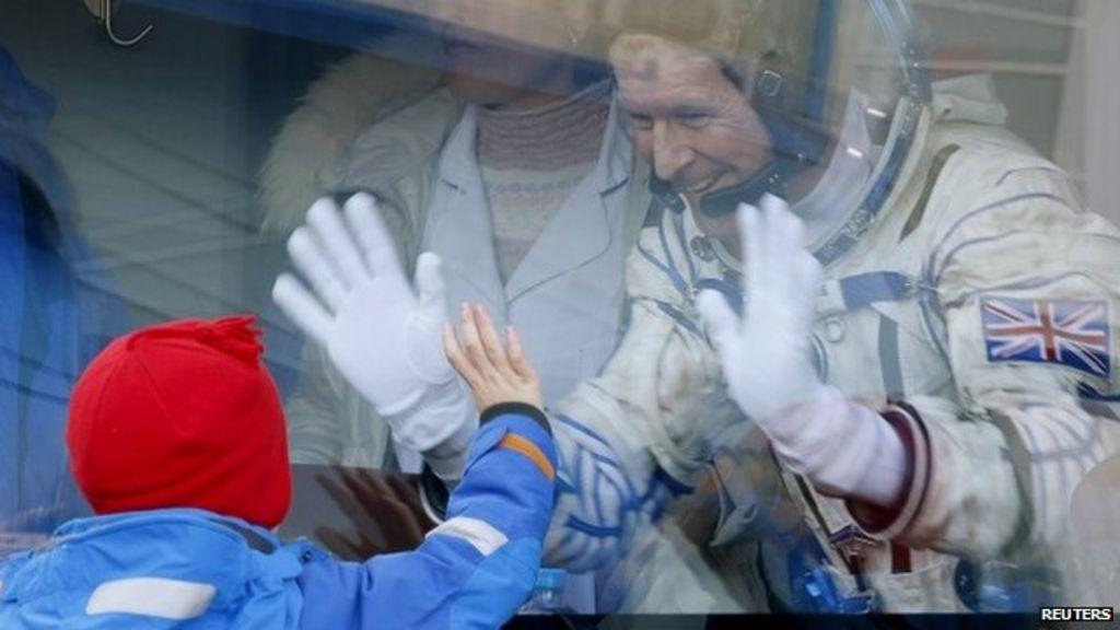 British astronaut Tim Peake makes journey from base to ...
