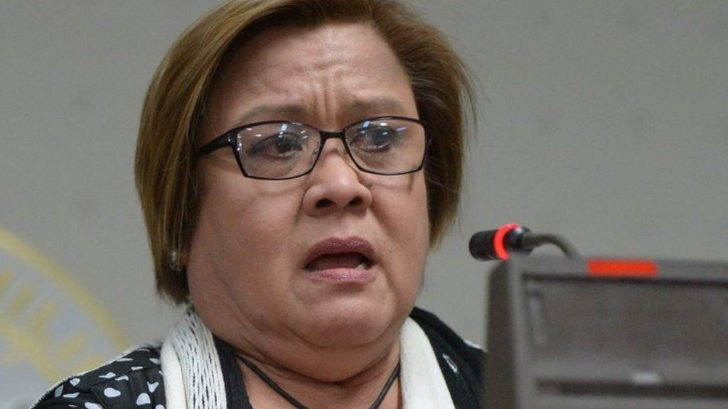Leila de Lima: Top Duterte critic arrested on drug charge - BBC News