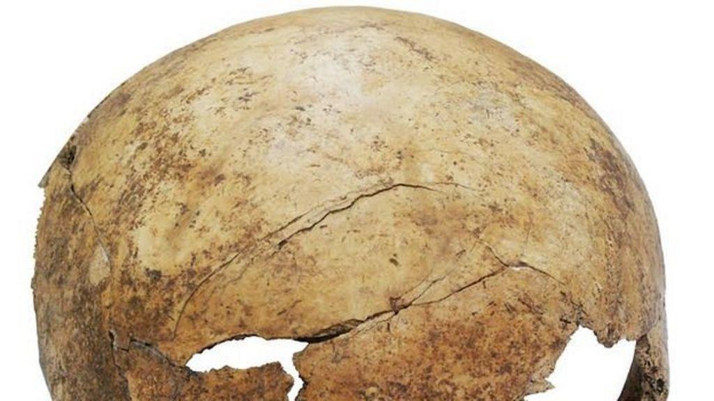 German mass grave records prehistoric warfare - BBC News