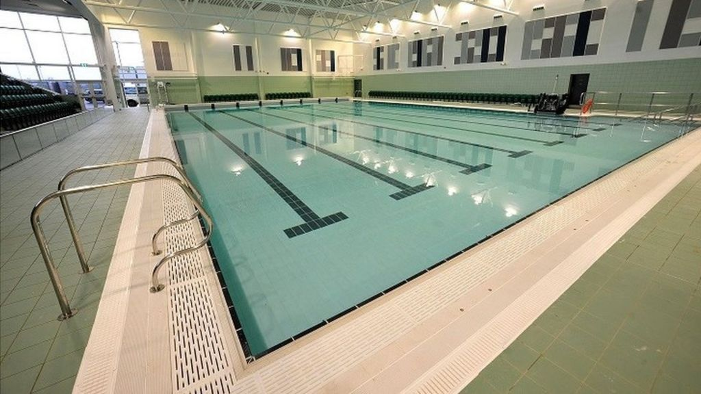 Worcester 39 S 10m Swimming Pool At Perdiswell Opens Bbc News