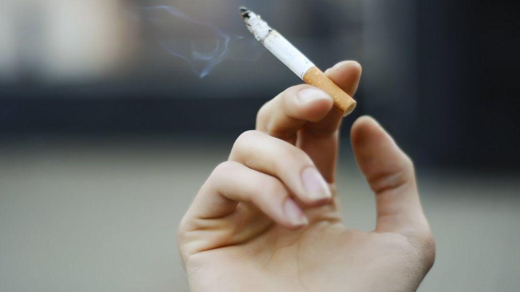 Cheap cigarettes R1 import Australia