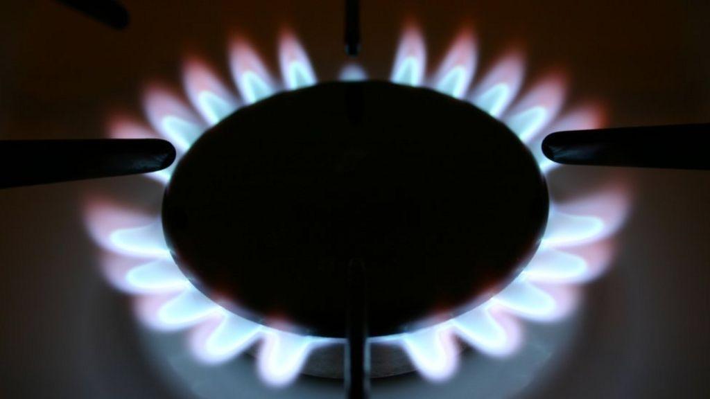UK's big energy suppliers eye bankrupt provider's 160000 customers
