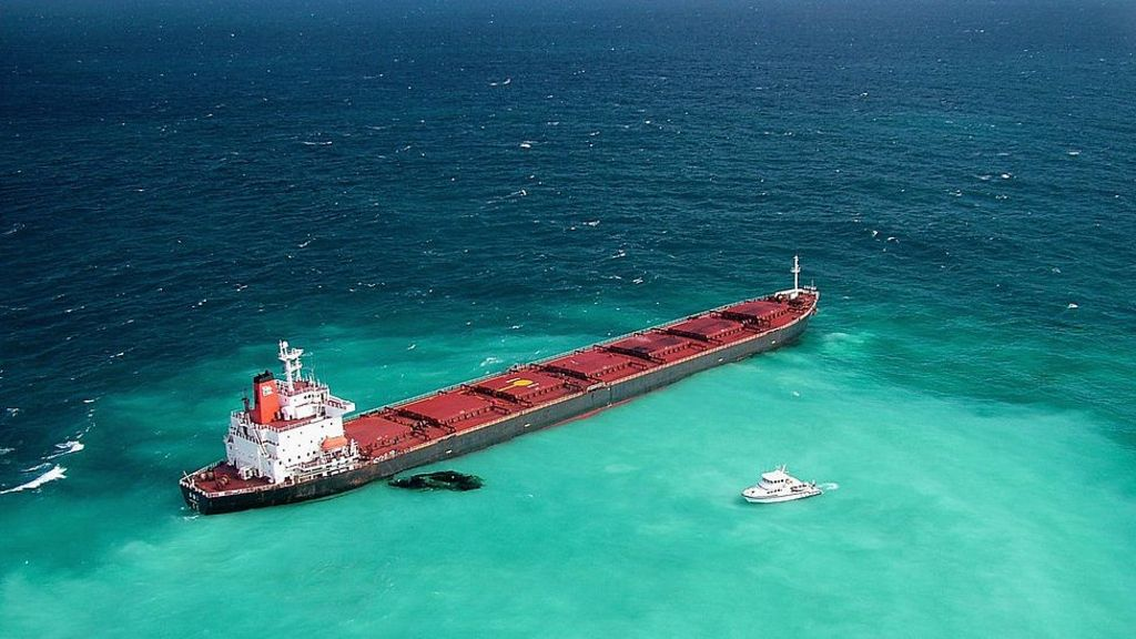 Great Barrier Reef disaster: Chinese coal ship to pay $29m - BBC News