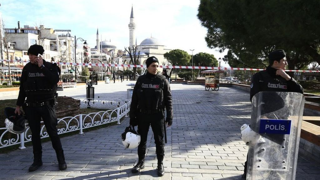 Turkey: 'IS suicide bomber' kills 10 in Istanbul Sultanahmet district ...