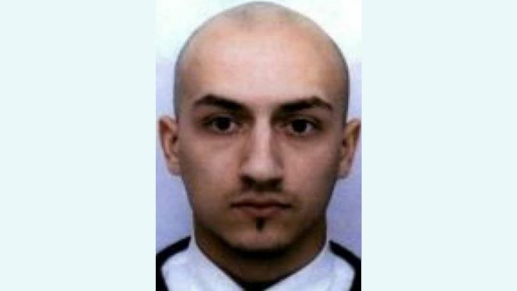 Paris attacker Samy Amimour buried in unmarked grave - BBC News