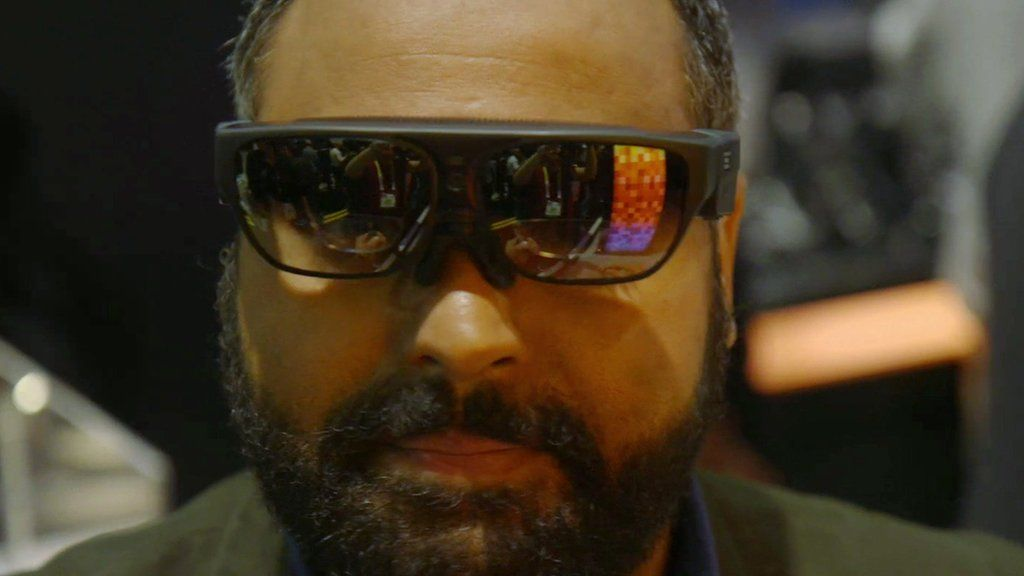 Will the future be augmented reality glasses? - BBC News