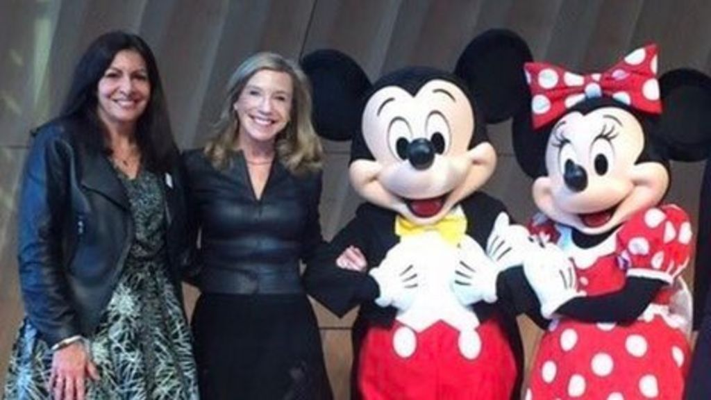 Trump Paris jibe: Mayor uses Mickey Mouse to fight back