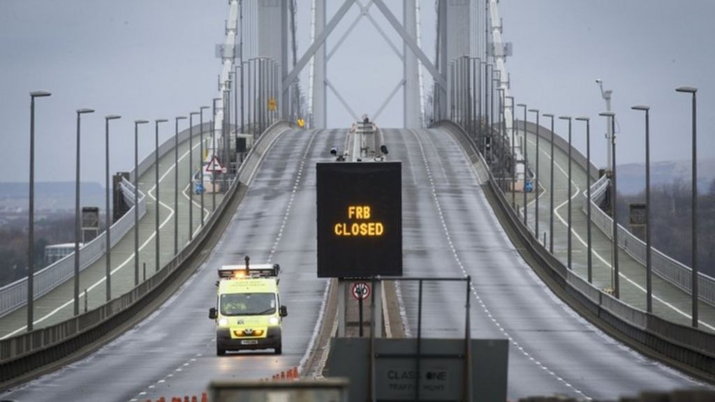 Forth Road Bridge to be closed until new year - BBC News