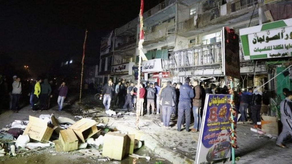 Iraq conflict: IS claims attack on Baghdad shopping centre - BBC News
