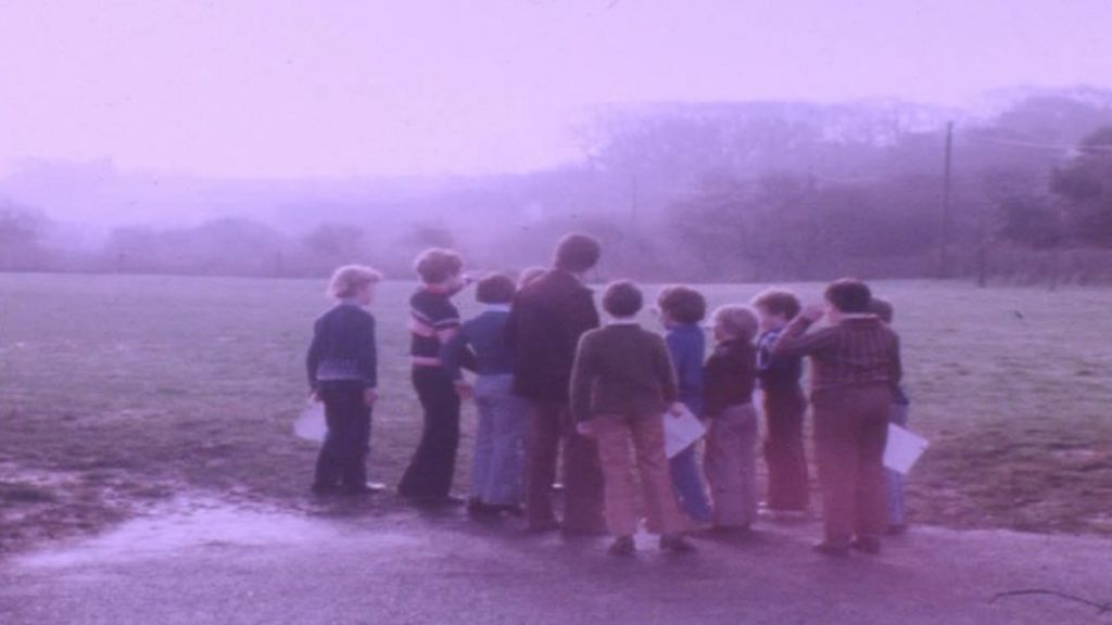 Broad Haven UFO sightings marked 40 years on - BBC News