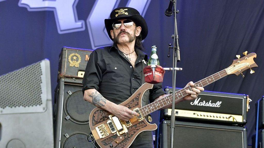 Norway: Oslo city bells honour Motorhead's Lemmy - BBC News