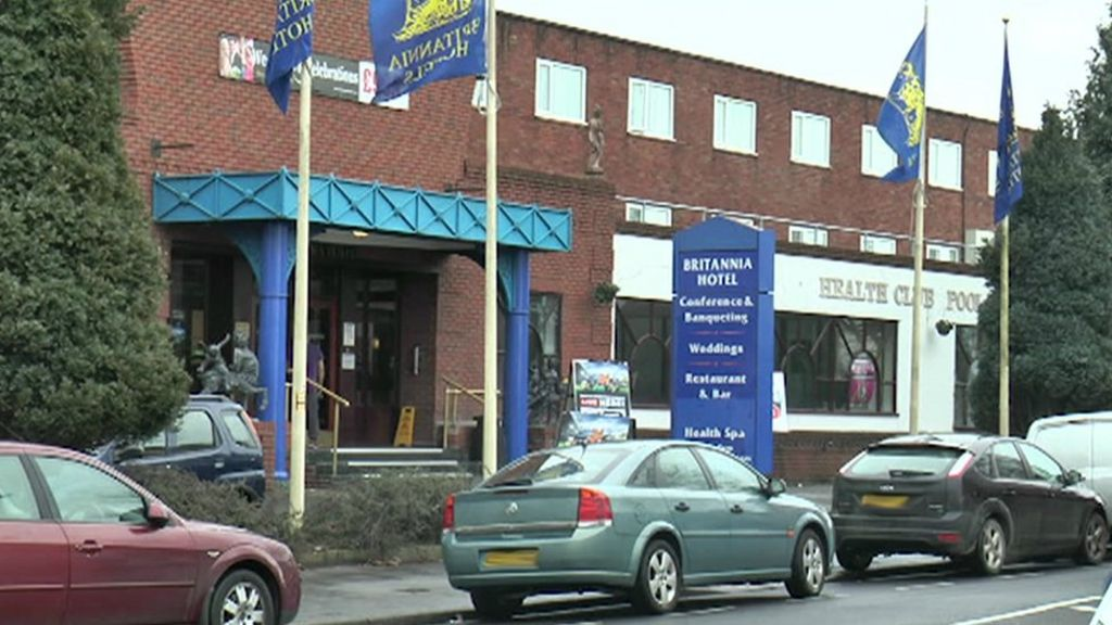 woman 46 seriously hurt in stockport hotel shooting. Black Bedroom Furniture Sets. Home Design Ideas
