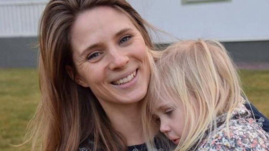 Swedish mum's battle against sugar goes viral - BBC News