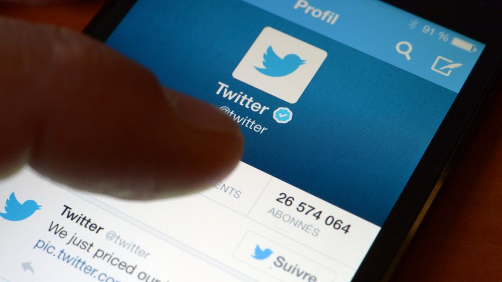 Should Twitter ignore its users? - BBC News