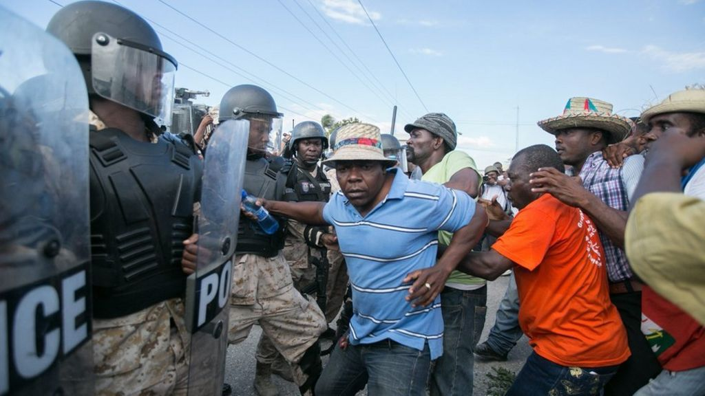 Crisis in Haiti turns deadly as power vacuum looms - BBC News