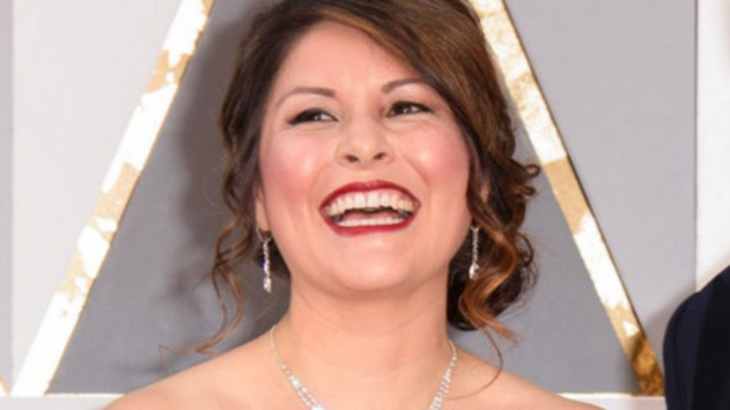 This woman knows who\'s won the Oscars