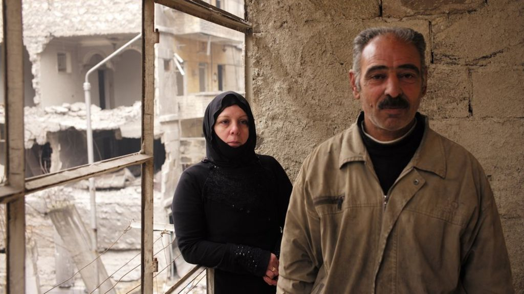 Displaced Syrians return home to ruins of East Aleppo