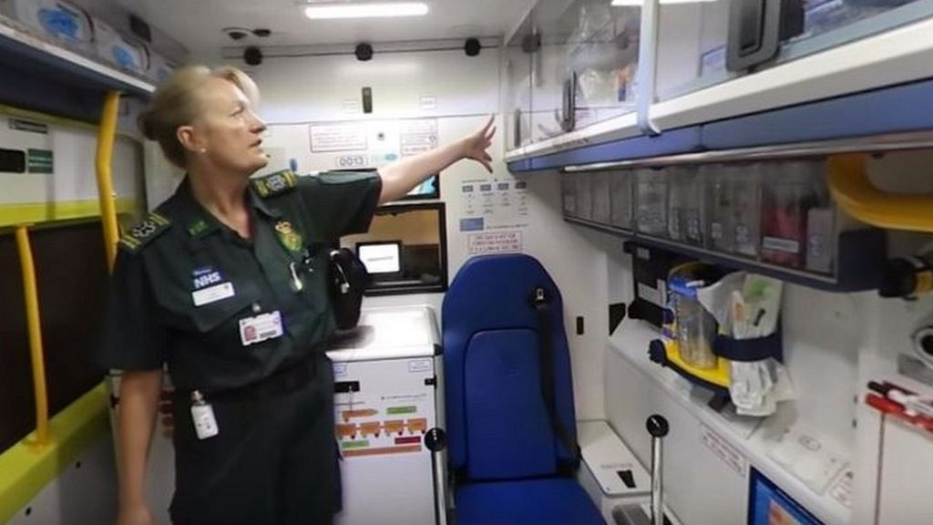 What's inside an ambulance? - BBC News