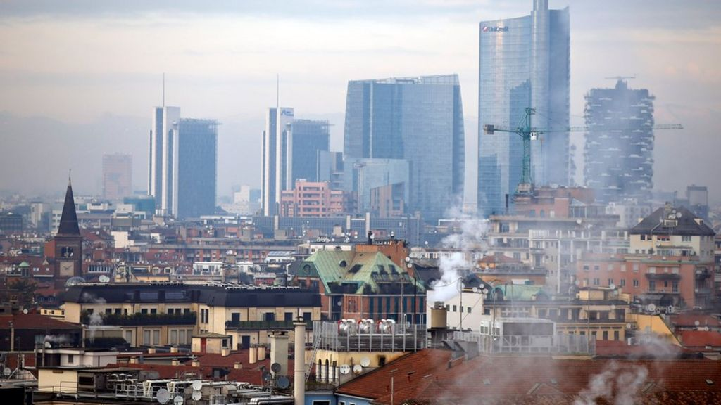 Italy smog: Milan bans cars for three days to fight pollution - BBC News
