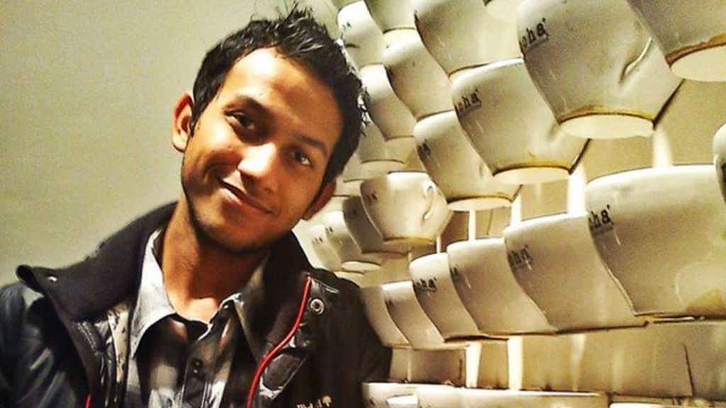 India's 21-year-old hotel boss - BBC News