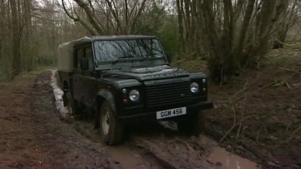 Land Rover Defender production ends - BBC News