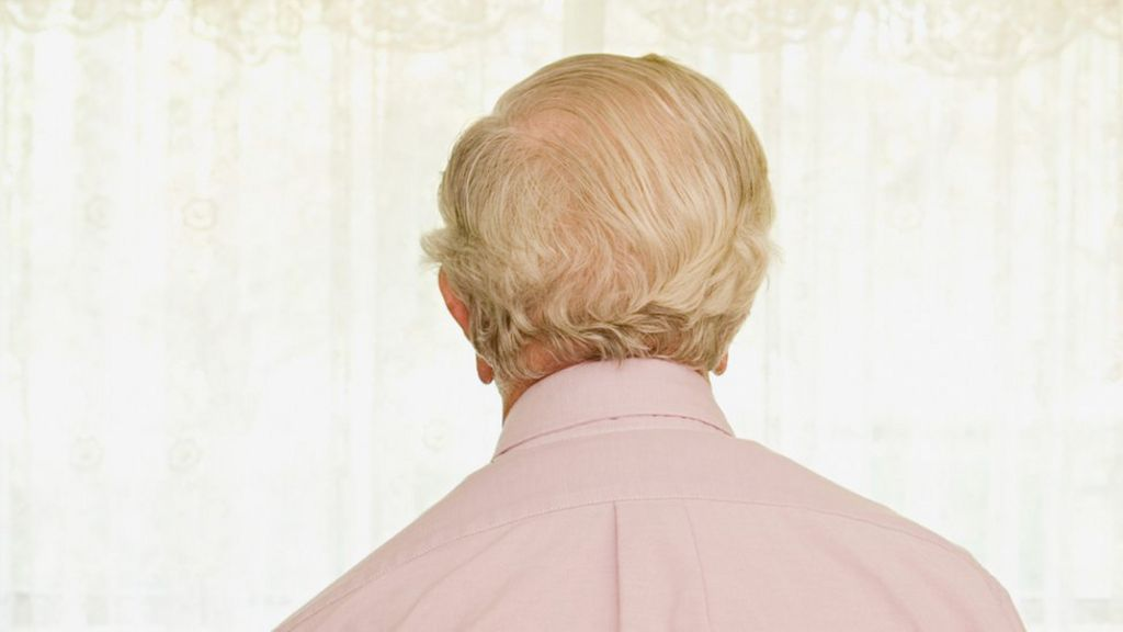 Change in sense of humour 'a sign of impending dementia' - BBC ...