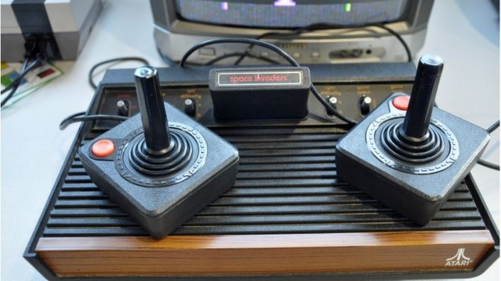 Minecraft blocks used to make virtual atari 2600 console bbc news - Original atari game console ...