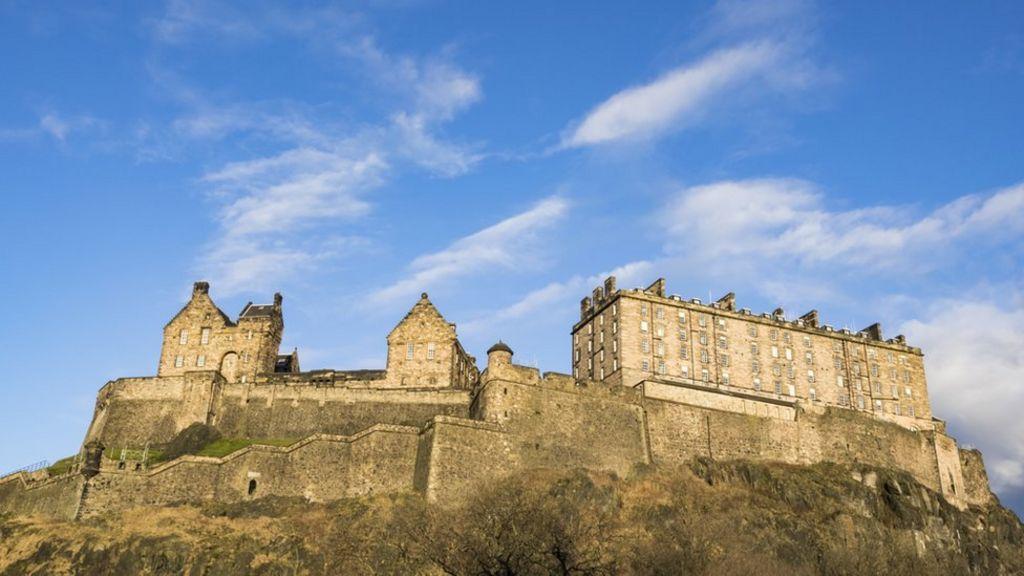 show topic traveling edinburgh scotland