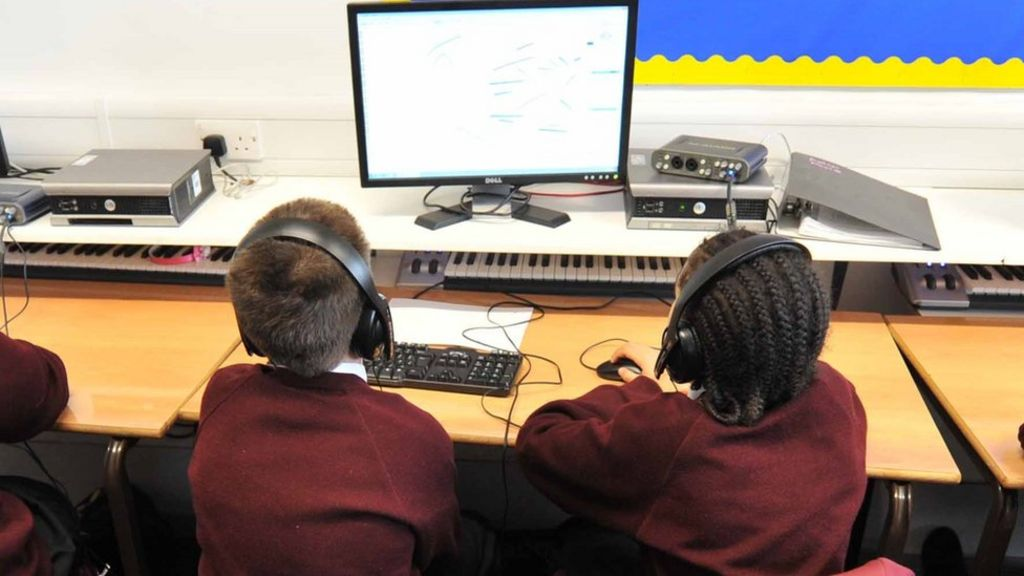 Schools told to monitor pupils' web use to prevent radicalisation ...
