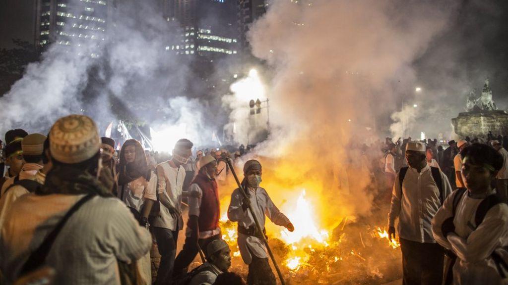 Indonesia protest: President Joko Widodo cancels Australia visit