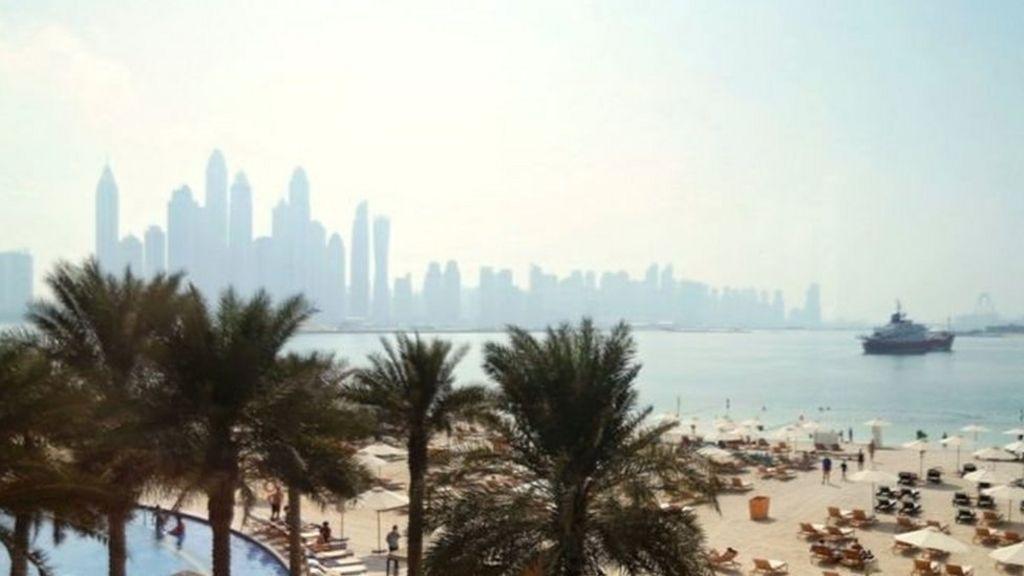 اسقاط قضية المرأة البريطانية التي اتهمت رجلين باغتصابها في دبي - BBC Arabic