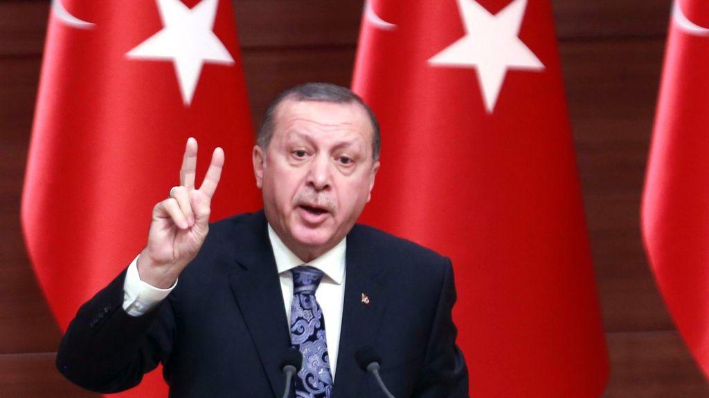 تعديلات دستورية في تركيا توسع صلاحيات اردوغان - BBC Arabic
