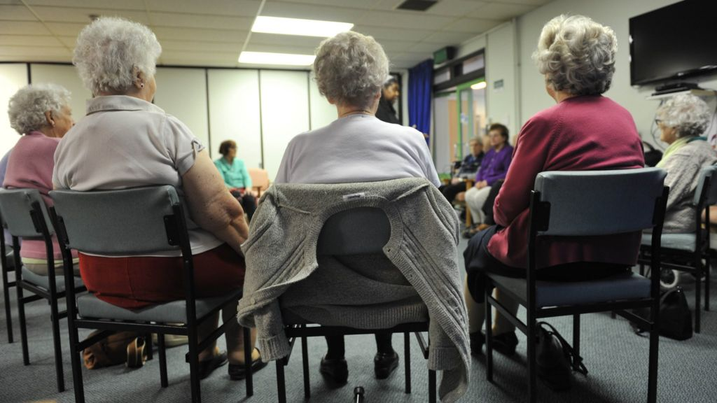 Pensioners' life expectancy falls back