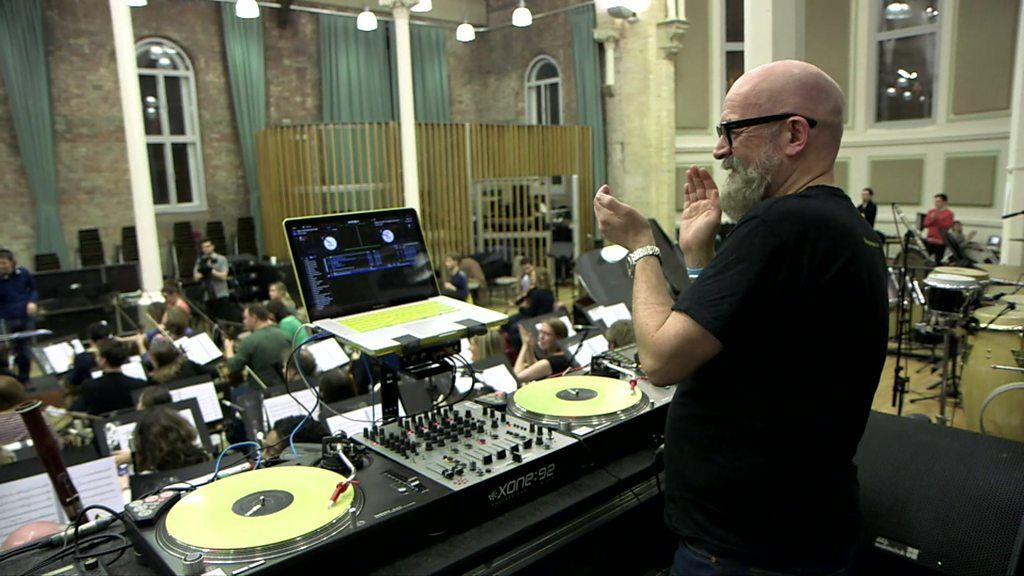 Hacienda house music performed by classical orchestra for House music orchestra