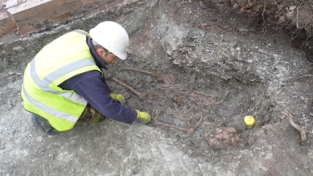Leicester's Roman skeletons have 'African links'