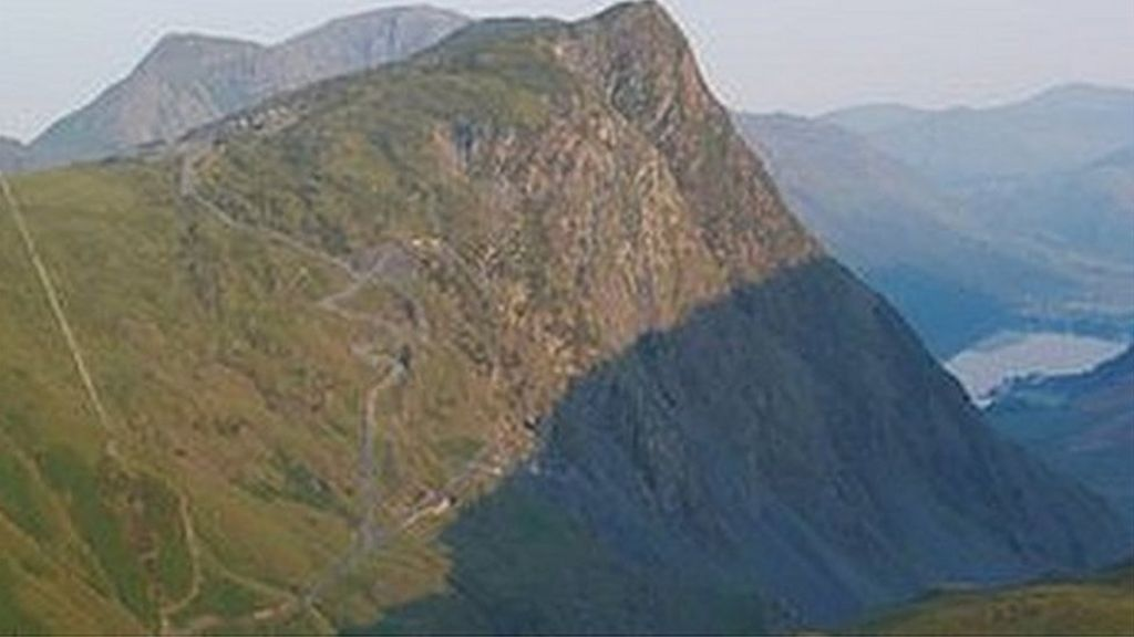 Body found in search for Lake District paraglider - BBC News
