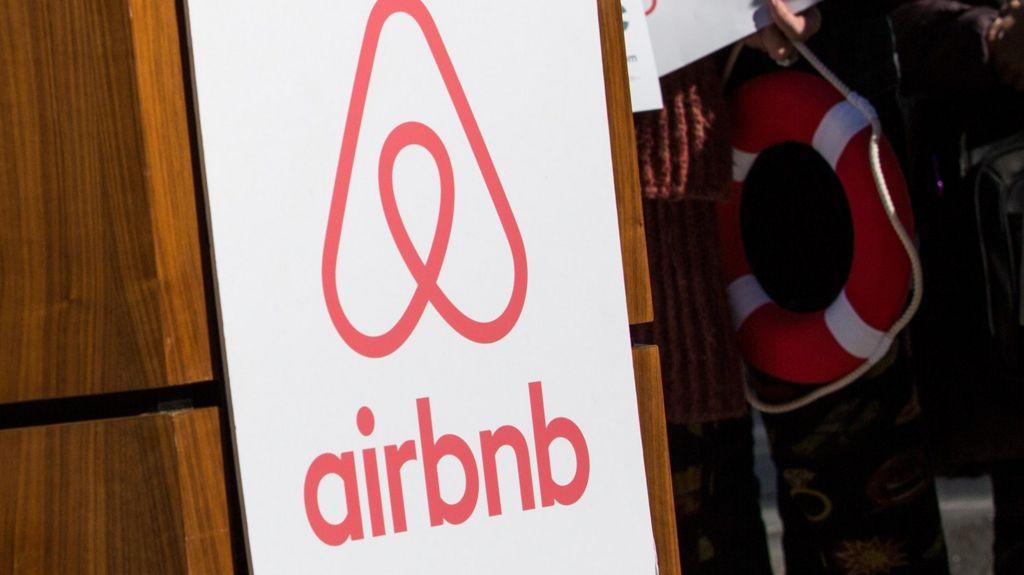 berlin cracks down on airbnb rentals bbc news. Black Bedroom Furniture Sets. Home Design Ideas