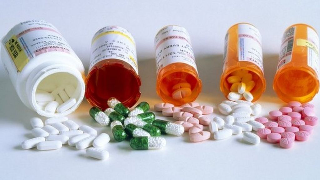 Buying medications online 'can put health at risk' - BBC News