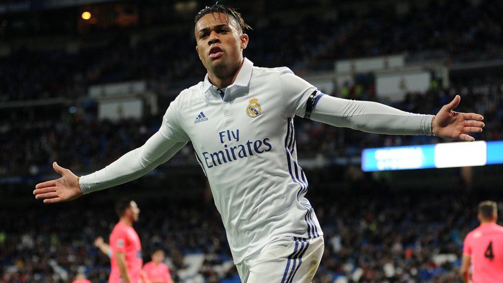 Quién es Mariano Díaz, el dominicano del Real Madrid cuya hazaña quedó opacada por el debut de Enzo Zidane