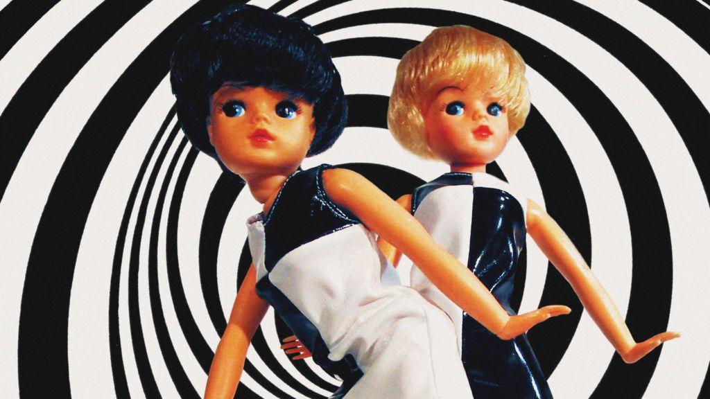 How Barbie crushed Sindy - BBC News