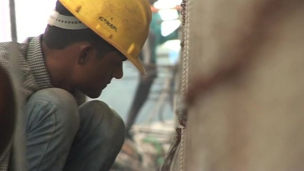 India invests in much-needed transport links - BBC News