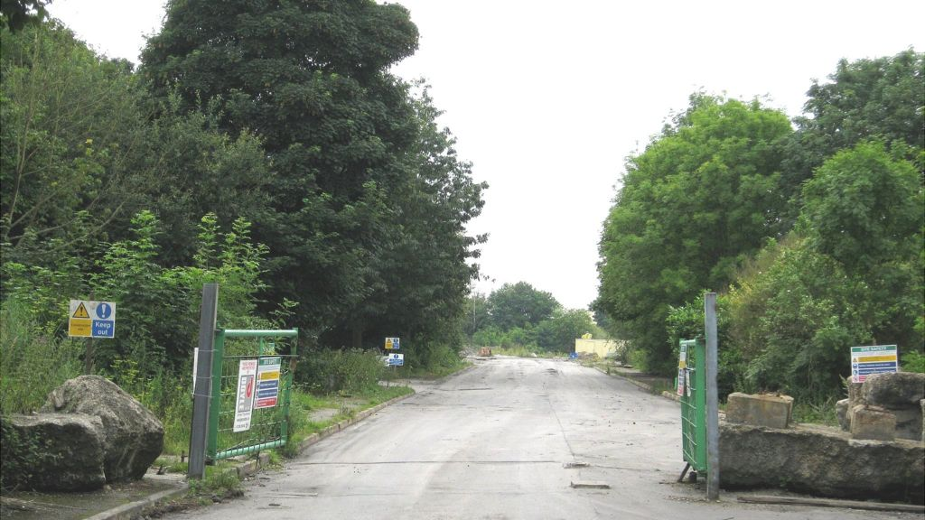 Work to clear former Rossington colliery starts - BBC News