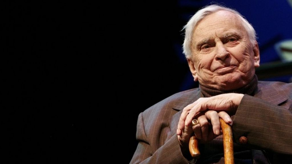 gore vidal political essays About selected essays of gore vidal gore vidal—novelist, playwright, critic, screenwriter, memoirist, indefatigable political commentator, and controversialist—is america's premier man of letters.