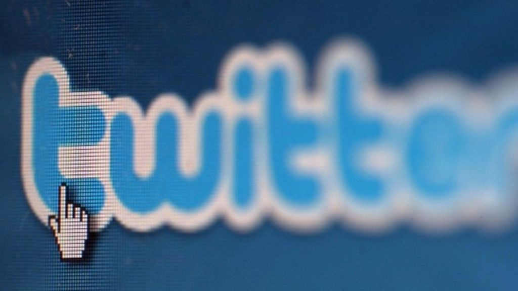 Twitter changes provokes anger from developers - BBC News