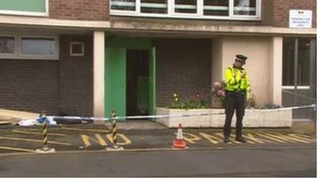 Wolverhampton rubbish chute baby: More time to hold couple - BBC ...