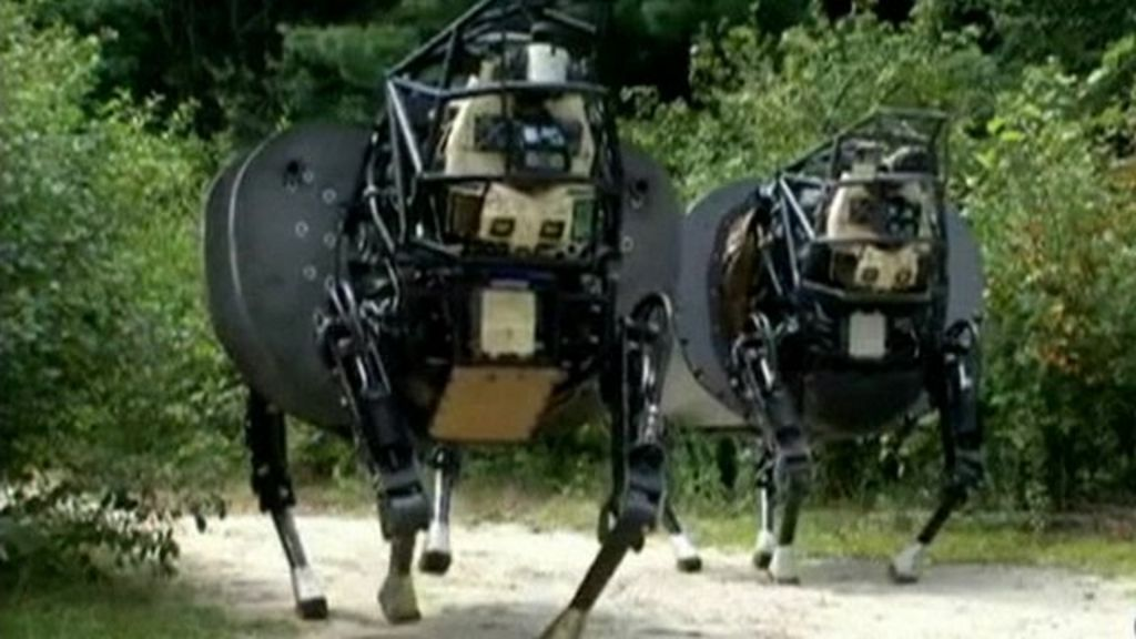 Robotic dog unveiled by the US military - BBC News