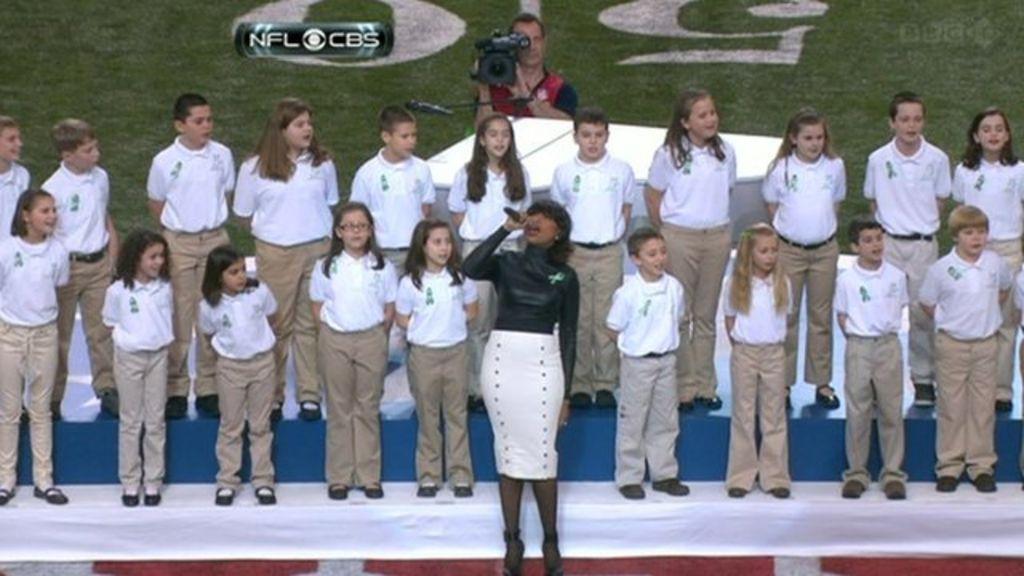 Jennifer Hudson Sings With Sandy Hook Elementary School Chorus at Super Bowl XLVII