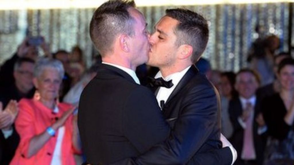 first gay couple wed in ca