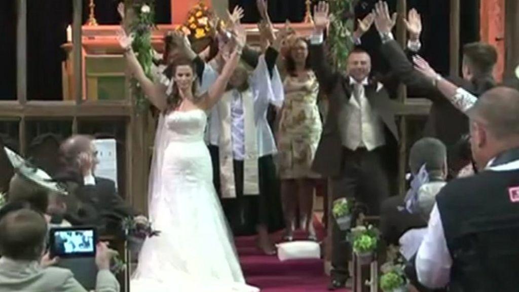 wedding dance reaction Uncle dance aap ke aa jane se, wedding dance, funny wedding dance,  meryl  streep's reaction during the us open men's singles final.